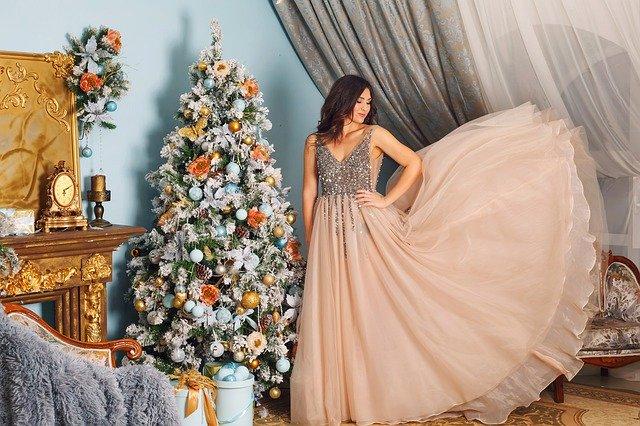 So schick unterem Weihnachtsbaum